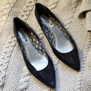 Sexy toe cleavage flats size 8.5 in good condition